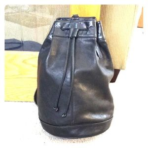 Coach vintage black leather xl bucket bag awesome
